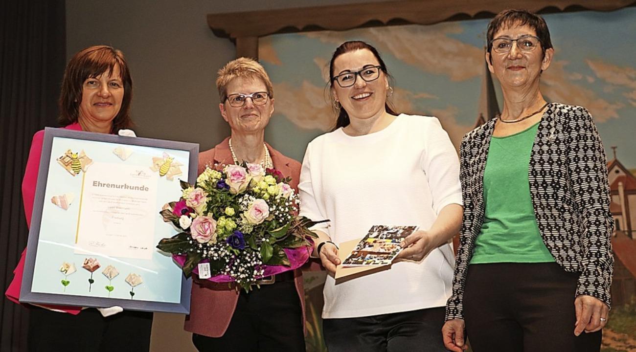 Luise Blattmann (Zweite von links) wur...n Leininger (von links) verabschiedet.  | Foto: Christa Rinklin