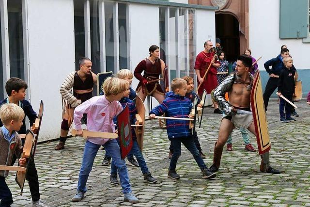 Im Basler Antikenmuseum kämpfen Kinder wie die Gladiatoren