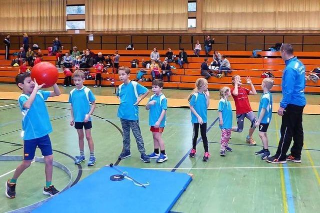 Viel Spaß an der Leichtathletik beim Hallenwettkampf in Waldkirch