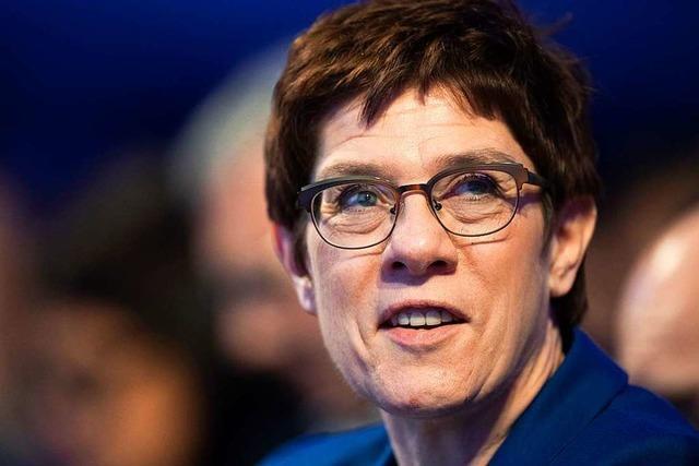 Bundes-CDU geht auf Distanz zu Thüringen-CDU und bringt Neuwahl ins Spiel
