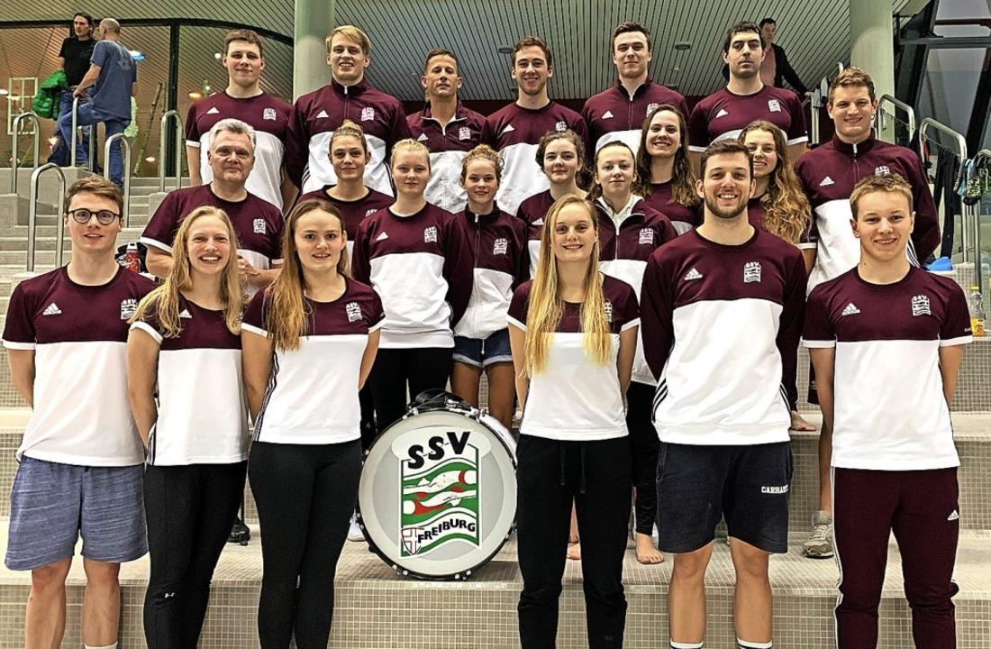 Geschlossener Auftritt im Westbad: die Teams der SG Regio   | Foto: privat