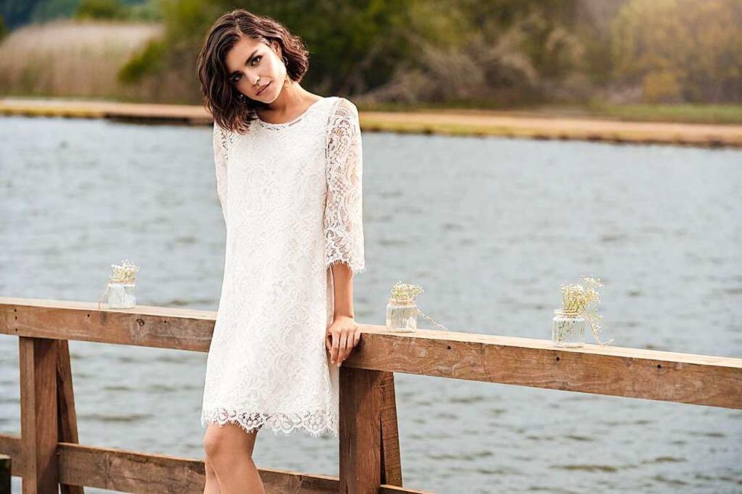Kurze Brautkleider sind gerade für sta...igurtyp (Marylise, Preis auf Anfrage).  | Foto: Marylise