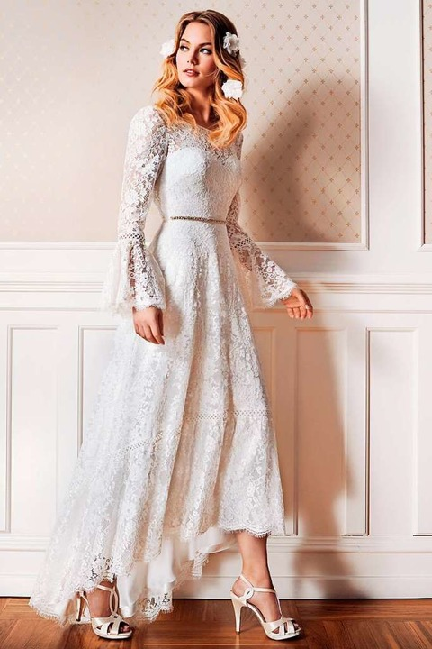 Das Vokuhila-Kleid ist ausgefallen. Wi...inten lang (Lilly, Preis auf Anfrage).  | Foto: Lilly