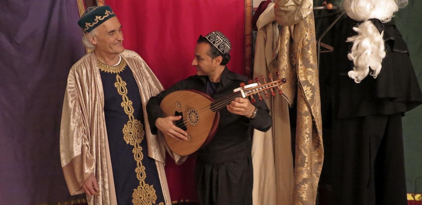 """Martin Lunz und Shaffan Soleiman spiel...ssings """"Nathan der Weise"""".    Foto: Dorothee Philipp"""