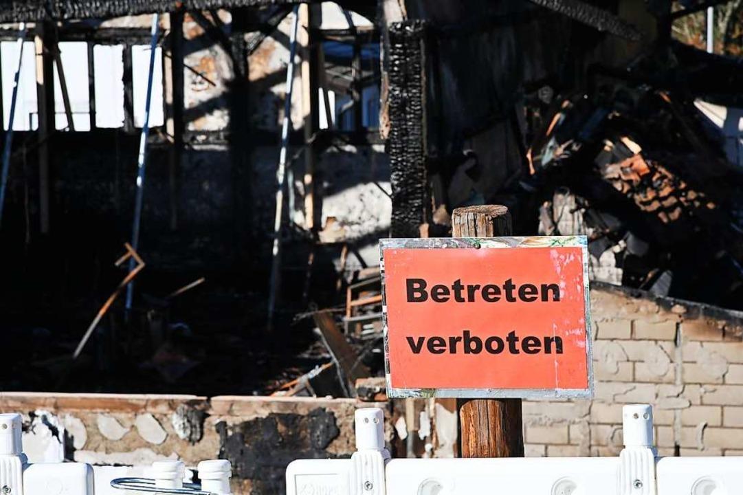 Die abgebrannte Halle des SV Inzlingen  | Foto: Jonas Hirt