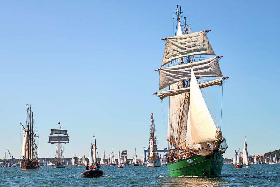 Ein Erlebnis: Mast an Mast bei der Windjammerparade in Kiel  | Foto: Landeshauptstadt Kiel - Bodo Quante