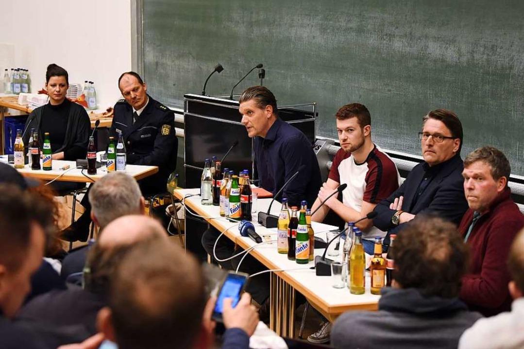 Das Podium der Diskussion am Freitagab...zinger, Uwe Stahlmann und Volker Goll.  | Foto: Rita Eggstein