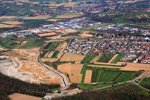 Die Fläche von drei Fußballfeldern wird in Haltingen pro Jahr überbaut