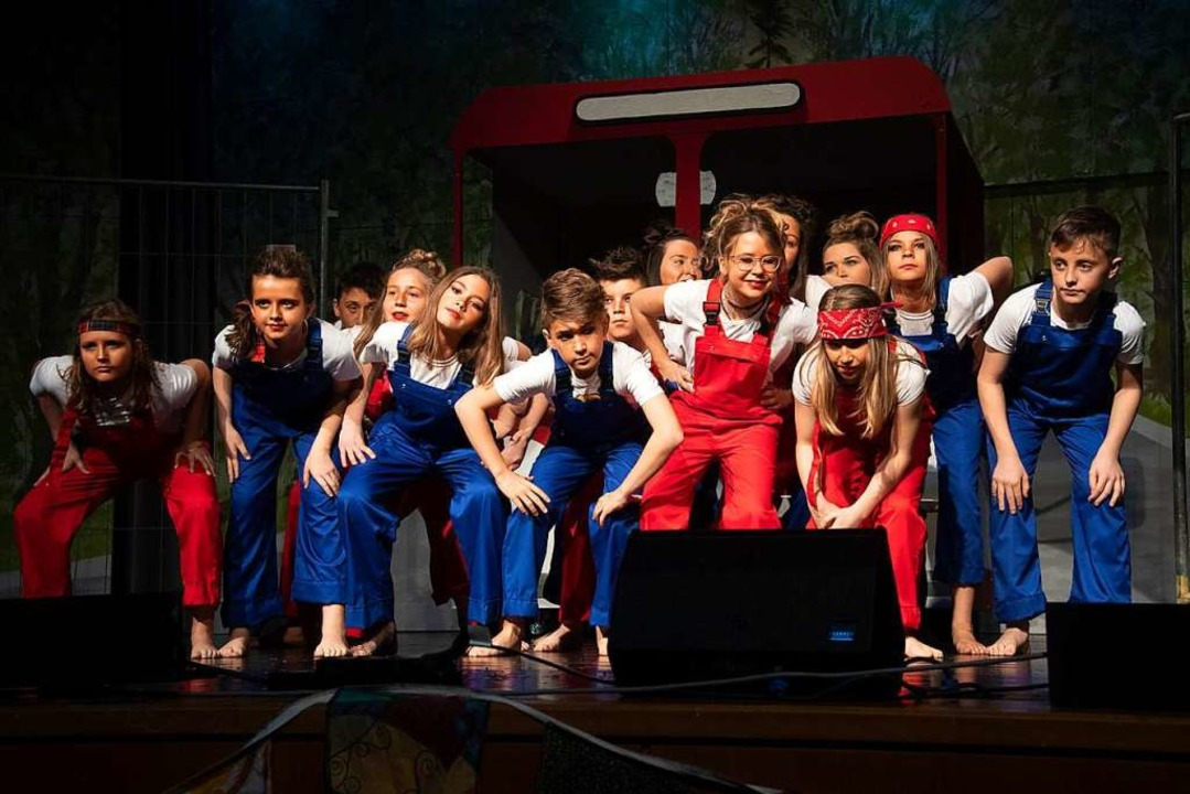 Begeisterten mit ihrem Tanz: die Jungzigeuner  | Foto: Volker Münch