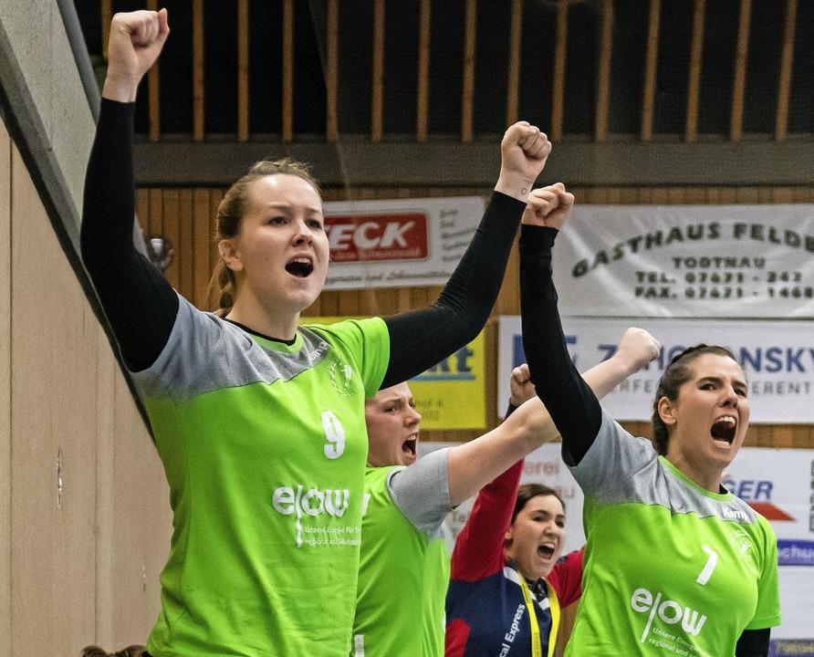 Beeindruckend stabil: Jubel bei Sandra...inks) und Lena Walleser im Pokalfinale  | Foto: Michael Hermann (Verein)