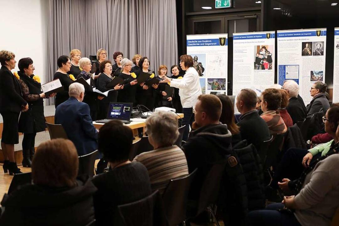 Der Deutsch-Russische Chor singt zur Eröffnung.    Foto: Christoph Breithaupt