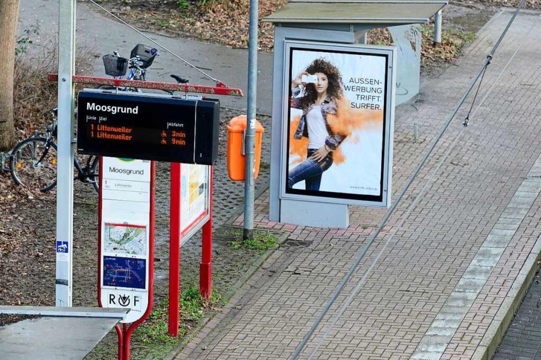 """Für die Tram-Linie 1 der VAG war zeitw...telle """"Moosgrund"""" Schluss.    Foto: Ingo Schneider"""