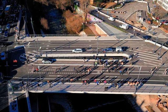 Stadt und Baufirma streiten nach Bau der Freiburger Kronenbrücke um Millionen