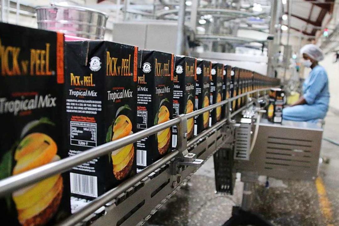 Saft auch für die nationale Fluglinie ... Fabriken von Kevian Kenya produziert.  | Foto: Rolf Obertreis
