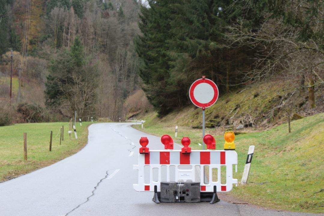 Sperrung bei Atzenbach  | Foto: Martin Klabund
