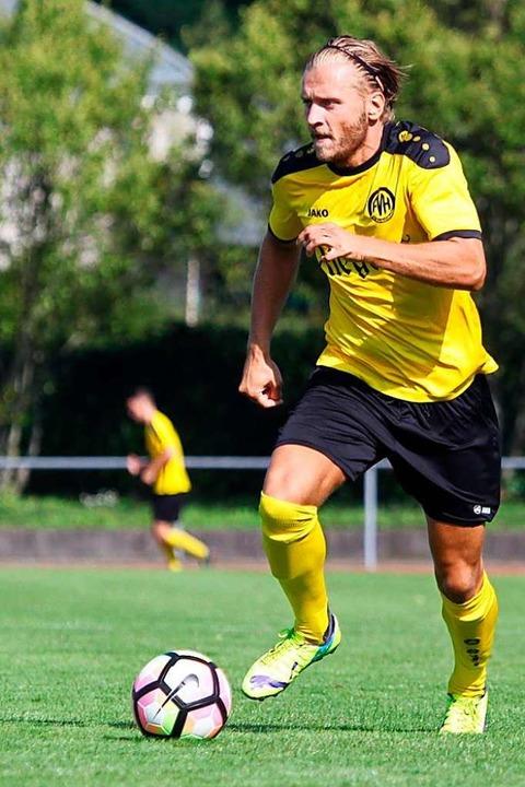 Sechs Jahre schnürte Bober die Kicksch... die Gelb-Schwarzen des FV Herbolzheim  | Foto: Matthias Konzok