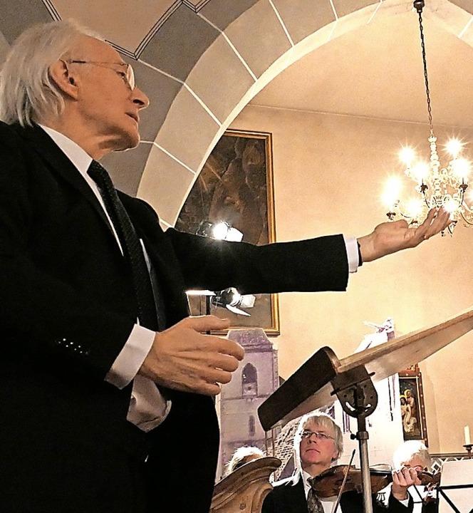 Dirigent Wolfgang Schäfer in Aktion  | Foto: Hans-Peter Müller