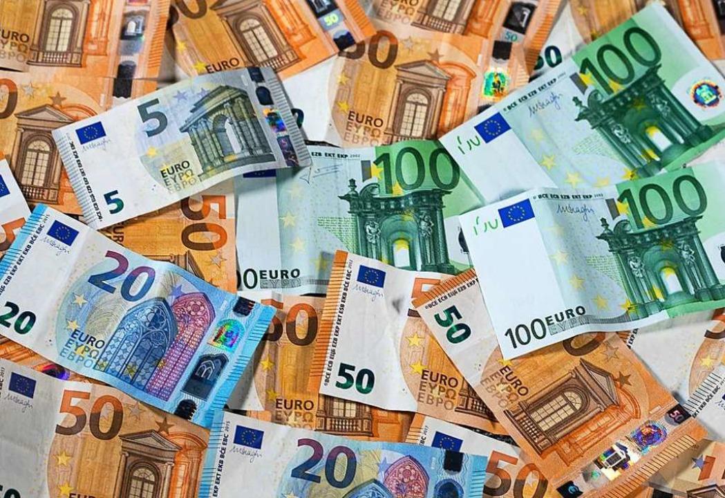 3,2 Millionen Euro an Gewerbesteuern muss die Stadt zurückerstatten.  | Foto: Jens Büttner (dpa)