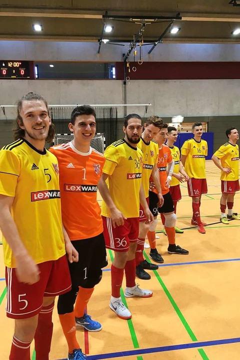 Clemens Fink (links) und seine Teamkollegen vom Staufener SC  | Foto: Frank Uhle