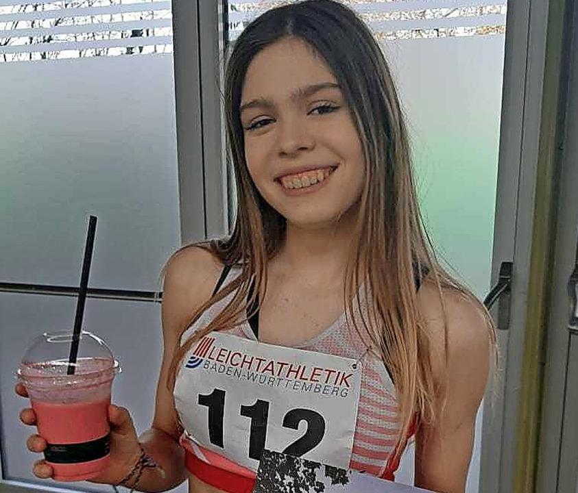 Ausrufezeichen: Die 16-jährige Alina H...schaft  über  800 Meter auf Rang fünf.    Foto: Ottmar Heiler