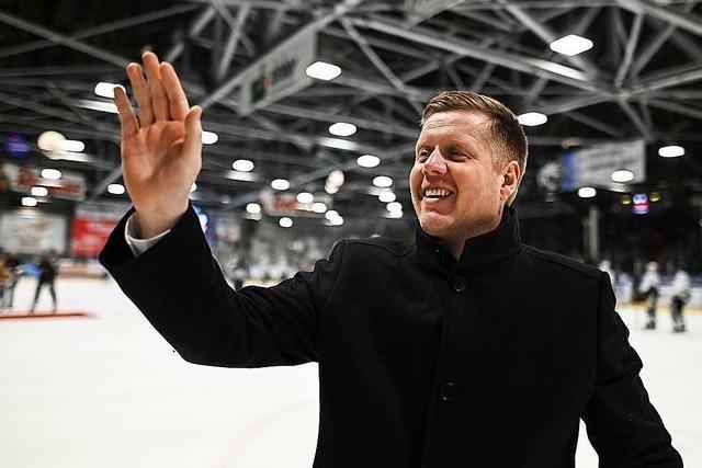 Der EHC muss am Wochenende auf seinen Coach Peter Russell verzichten