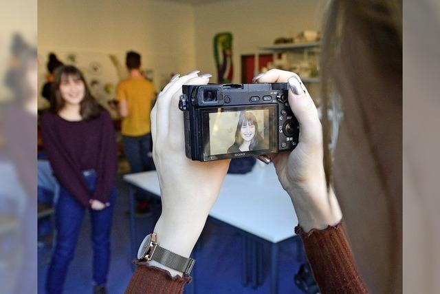 Jugendfoto-Preisträger schnuppern in den Fotografen-Alltag