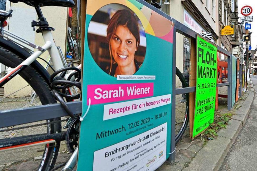 Einige wenige Plakate hängen noch – hier in der Wallstraße  | Foto: Michael Bamberger