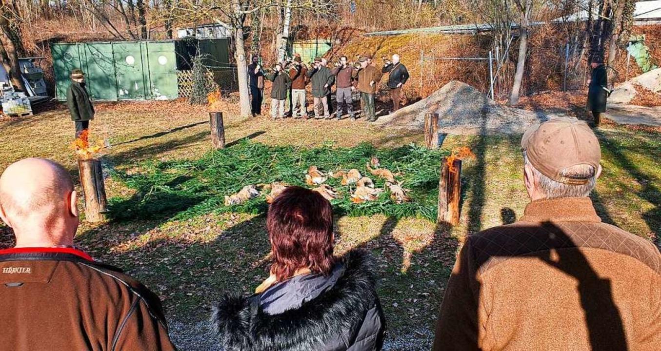 Mitglieder der Freiburger Jägervereini...am Schießstand bei Hartheim-Bremgarten  | Foto: Julius Wilhelm Steckmeister