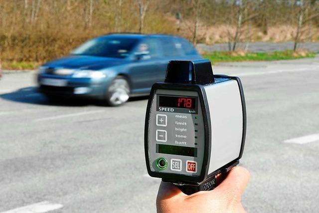 Schweizer Verkehrssünder nervt, dass sie ihren Führerschein einschicken müssen