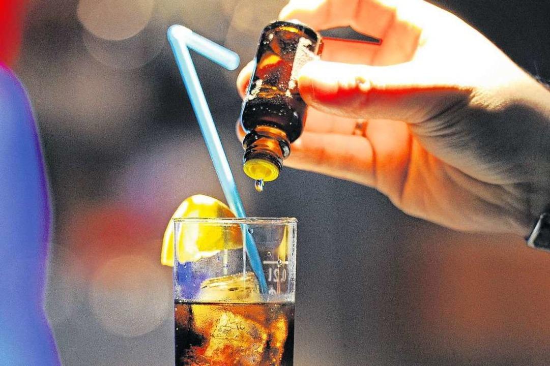 Mit einer Präventionskampagne möchte d...Alkoholmissbrauch warnen (Symbolbild).  | Foto: Achim Scheidemann