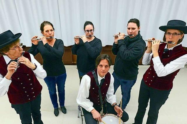 Freiburger Bundschuhpfeifer heißen alle willkommen, die Piccoloflöte spielen können