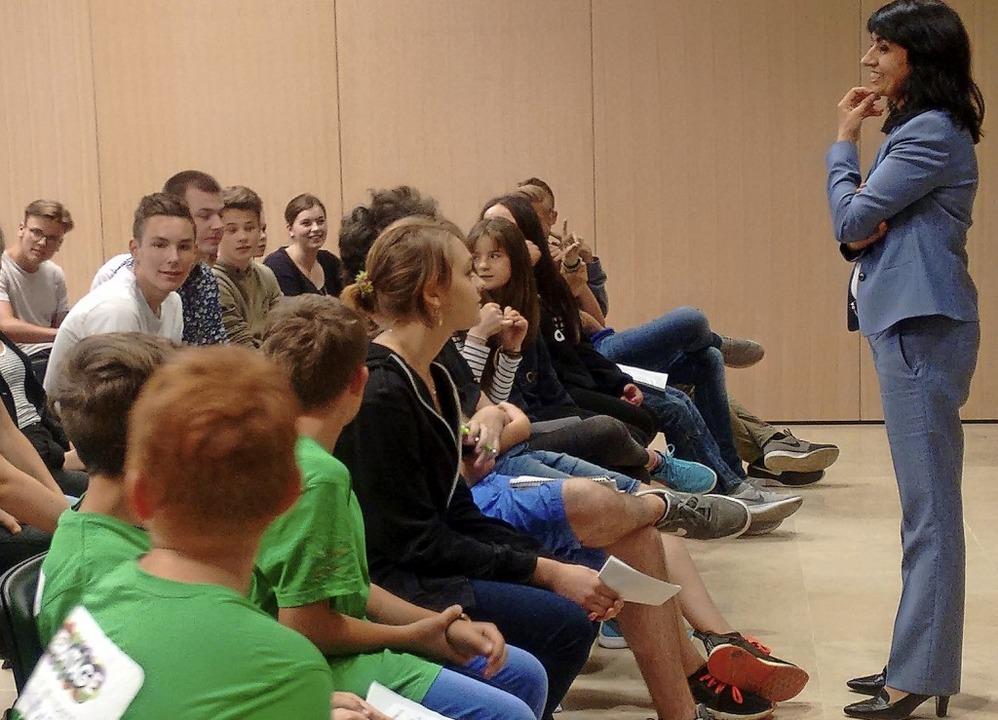 2018 kamen Schüler aus dem Landkreis E...räsidentin Muhterem Aras ins Gespräch.  | Foto: Udo Wenzl