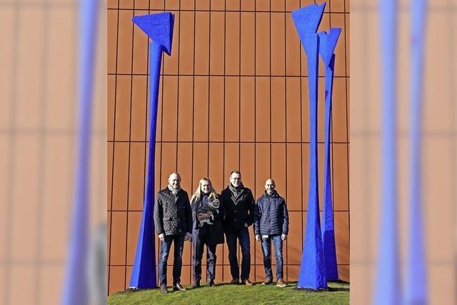 Imposante Skulpturen zeigen Firmenphilosophie