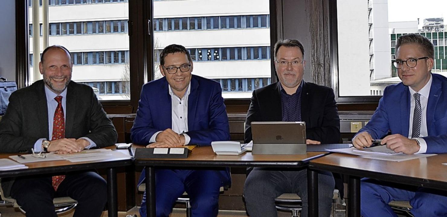 Stellten das Finanzierungskonzept vor ... Kopp und Kai-Achim Klare (beide SPD).  | Foto: hrö