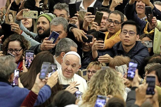Papst hält am Zölibat fest
