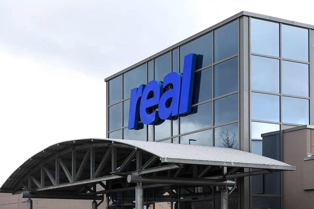 Im Realmarkt im Lahrer Westen sind 95 Mitarbeiter beschäftigt.  | Foto: Christoph Breithaupt
