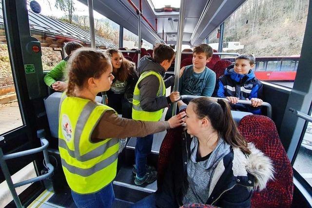 Siebtklässler sollen als Buscoaches in Schönau Konflikte schlichten