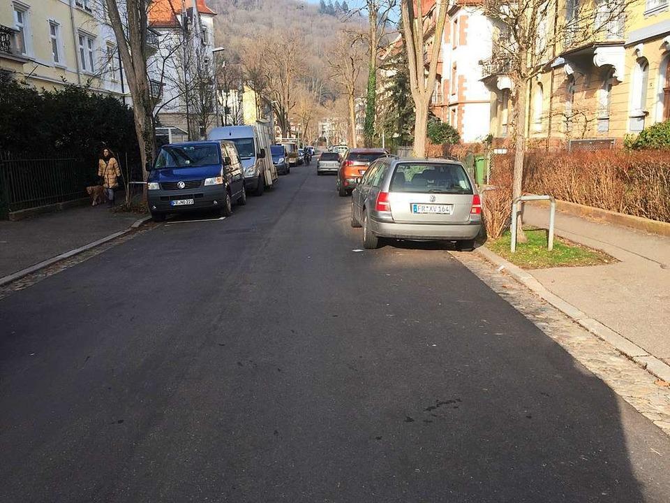 Die Durchfahrt durch die Straße ist oft äußerst eng.  | Foto: Andreas von Döhren