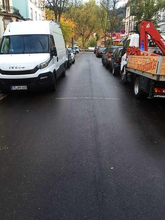 Auch tagsüber ist die Straße häufig en...d ist ein Metermaß. Länge: zwei Meter.  | Foto: Andreas von Döhren