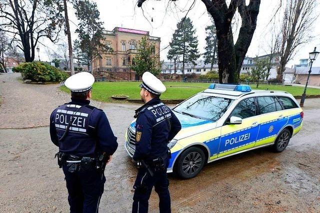 Polizei kontrolliert im Colombipark mehr als 30 Menschen auf Drogen