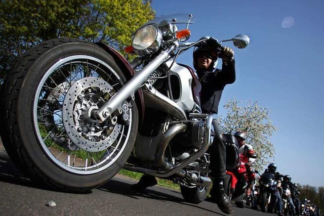 Härtere Strafen und bessere Technik sollen Motorrad-Rowdys zügeln