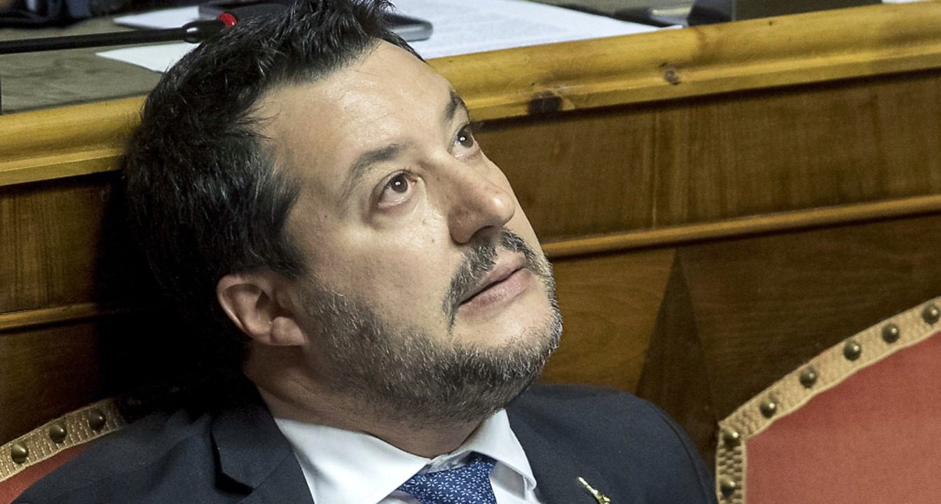 Das Zugpferd der rechten Lega wankt: Matteo Salvini   | Foto: Roberto Monaldo.Lapre (dpa)