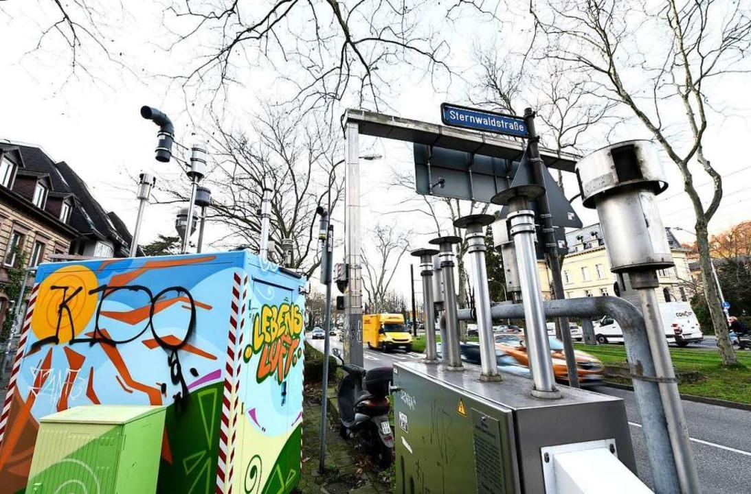 Messstation an der Freiburger Schwarzwaldstraße  | Foto: Thomas Kunz