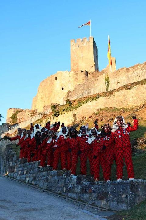 Die Schloß-Düüfel vor der Burg-Kulisse  | Foto: Katharina Bartsch