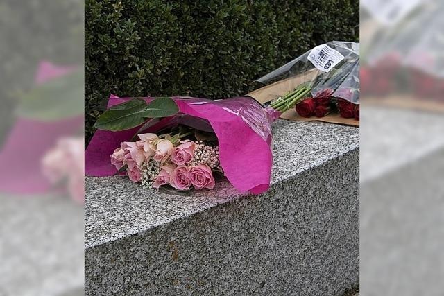 Blumenfund an der Amor-Säule