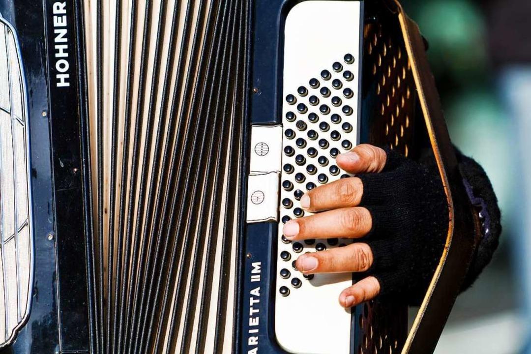 Straßenmusiker fühlen sich durch die V... Gemeinderat über ein Update sprechen.  | Foto: Carlotta Huber