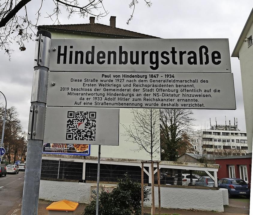 Zusatzschild und QR-Code reichen nach Ansicht dieses Lesers nicht aus.  | Foto: Ralf Burgmaier