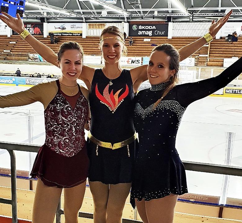 Vanessa Wodars, Stephanie Kühne und Je...nks) im Thomas Domenig Stadion in Chur  | Foto: Eislaufverein Herrischried
