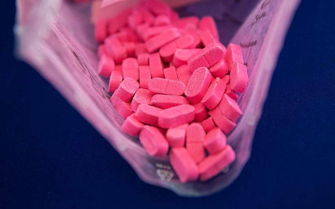 MDMA, das von der Polizei beschlagnahm...e Tablette in Herzform.  (Symbolbild).  | Foto: Boris Roessler