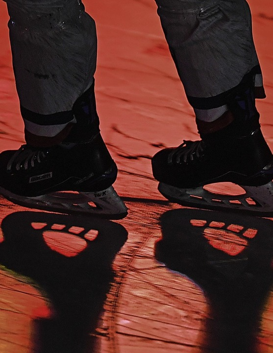 Das schnelle Spiel spornte auch den Fo...–   hier ein Bild vom Einlaufen.  | Foto: Patrick Seeger
